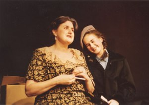 Kindertransport in 2001.  Photo credit: Barntheatre.org.